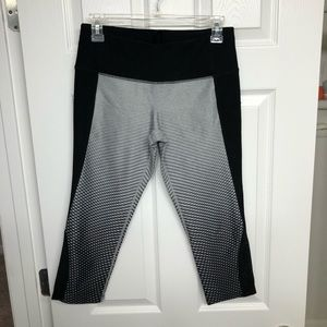 MPG Sportswear crop leggings, gray & black Sz: S